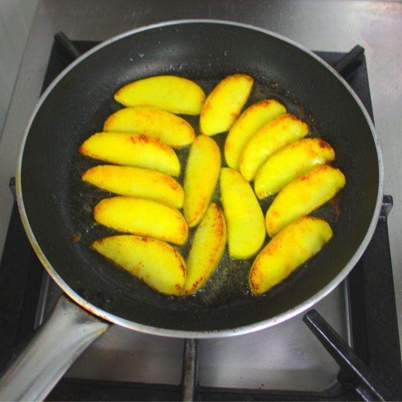 Pochando la manzana